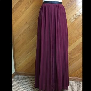 Abercrombie & Fitch Pleated Maxi Skirt Sz M